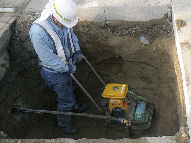 給排水衛生設備工事の様子