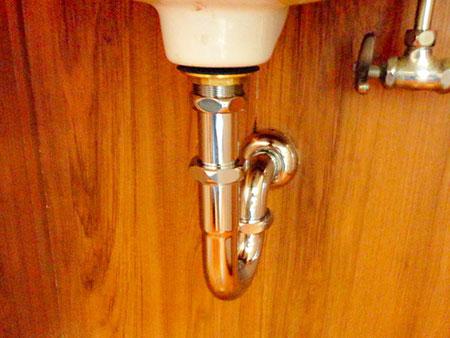 手洗い排水管の取り替え 施工後
